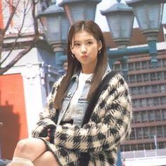 Nayeon, South Korean Girls, Korean Girl Groups, Sana Kpop, Shy Shy Shy, My Girl, Cool Girl, Sana Cute, Sana Momo