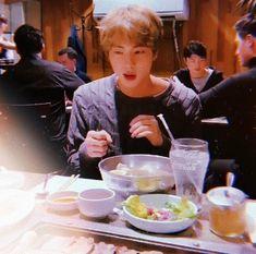 Seokjin, Kpop, Jin Yang, Bts Meme Faces, Cute Asian Guys, Bts Aesthetic Pictures, Blackpink And Bts, Bts Lockscreen, Worldwide Handsome