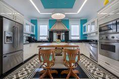 Décor do dia: cozinha vintage e vibrante. Referências do passado se unem à tecnologia