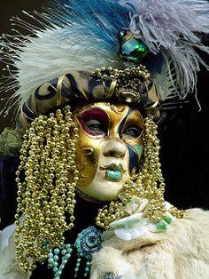 Hair of Gold Beads | par Donna Corless - PhotosAndArt.com