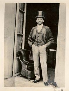 W.E.B Dubois circa 1900 https://twitter.com/NeilVenketramen