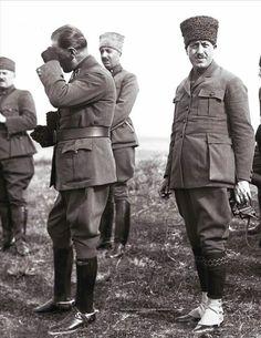 """Yıl 1919... Amerikalı gazeteci sorar: """"Ya başaramazsanız ?"""" O zaman, mezar taşımızda """" istiklalleri için çarpıştılar, başaramayıp feda oldular."""" Yazsın yeter...Dedi Gazi Mustafa Kemal Atatürk paşa ! Mesele bu kadar basittir !!!"""