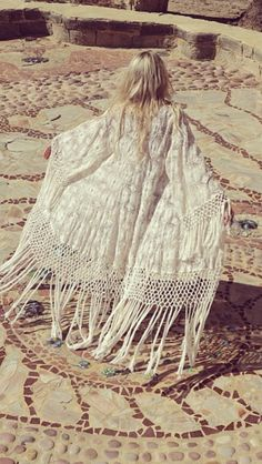 Vintage fringe white kaftan caftan coat bohemian gypsy princess style - Coachella Fashion Inspiration