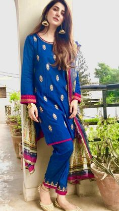 Colour combination😍 If you are everything including us all, you are aware that it's not Indian Dresses For Girls, Asian Bridal Dresses, Simple Pakistani Dresses, Pakistani Dress Design, Pakistani Fashion Party Wear, Pakistani Outfits, Indian Outfits, Pakistani Gowns, Pakistani Models