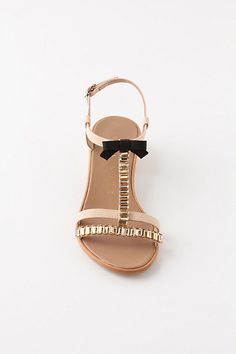 um I love you. mayari t-straps Walk In My Shoes, Fab Shoes, Crazy Shoes, Shoes Heels, Awesome Shoes, Beautiful Heels, Cute Sandals, Looks Cool, Trends