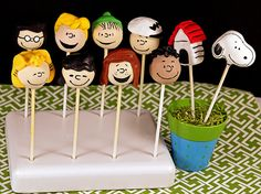 Peanuts with Schroeder and Franklin Cake Pops!