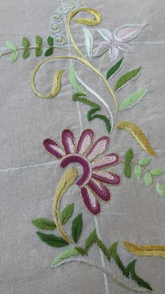 Jacobean Embroidery, Elsa, Inspiration, Diy And Crafts, Hand Embroidery Art, Rugs, Bias Tape, Creativity, Dressmaking