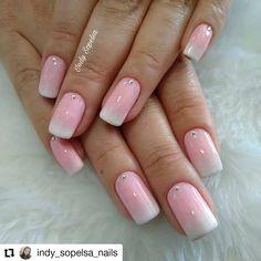 O mais lindo degradê. Vocês gostam de degradês? . . B Nail Designs, Nail Art, Nails, Beauty, Instagram, Sponge Nails, Rose Nails, Nail Ideas, Gel Nail