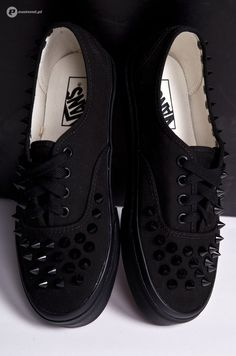 Oh muh lawd. If I had these I would kick people all of the time...
