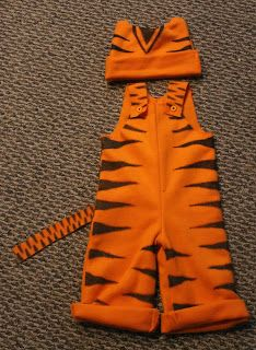 Nifty Things for the Thrifty Mom: DIY Toddler Costume for. - Nifty Things for the Thrifty Mom: DIY Toddler Costume for… Nifty Things for the Thrifty Mom: DIY Toddler Costume for… Diy Baby Costumes, Movie Halloween Costumes, Toy Story Costumes, Kids Costumes Girls, Toddler Costumes, Baby Halloween, Halloween 2016, Tigger Costume, World Book Day Costumes