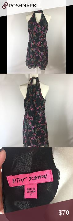 Betsey Johnson dress sleeveless 10 butterflies 🦋 NWT B 18 inches arm pit to arm pit L 36 inches all measurements are approximate and a flat lay. Betsey Johnson Dresses Midi