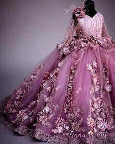 ANNA TRIANT COUTURE FW 2016/17 Girls Pageant Dresses, Pageant Gowns, Little Girl Dresses, Flower Girl Dresses, Little Girl Fashion, Kids Fashion, Queen Wedding Dress, Sheer Dress, Baby Dress