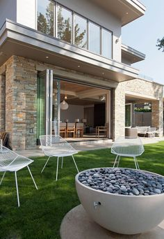 http://cdn.home-designing.com/wp-content/uploads/2013/11/Lawn-furniture.jpg