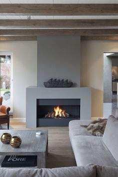Best Traditional and Modern Fireplace Design Ideas Photos & Pictures Home Fireplace, Living Room With Fireplace, Fireplace Surrounds, Fireplace Design, Home Living Room, Living Room Decor, Concrete Fireplace, Style At Home, New Homes