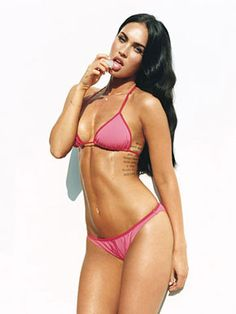 Megan Fox Looks Hotter Than Ever Megan Denise Fox was born May 1986 in Rockwood, Tennessee. Megan began her training in drama and dance … Megan Fox Sexy, Megan Denise Fox, Megan Fox Bikini, Bikini Babes, Hot Bikini, Pink Bikini, Megan Fox Lingerie, Megan Fox Photoshoot, Supermodels