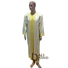Wonderful Moroccan outfit for men made with cotton hand embroidered and sewn to give you the best quality! This traditional dress is only worn for special occasions when all the rich families meet to celebrate and have big parties. You will feel like you are flying such the fabric is light and smooth. Get yours today and enjoy the class in the best comfort that you can have!