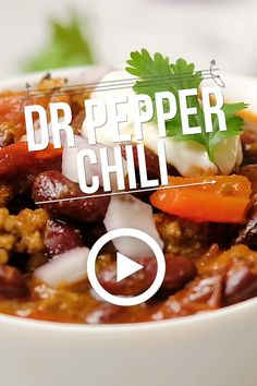 Pepper Chili makes a hearty, filling meal. It has just the right balance of spicy and sweet plus some smokiness from chipotle peppers. Dr Pepper Chili Recipe, Creamy Chili Recipe, Chili Soup Recipe, Coke Recipes, Chili Recipes, Pepper Recipes, Slow Cooker Pork Bbq, Slow Cooker Chili, Best Dinner Recipes