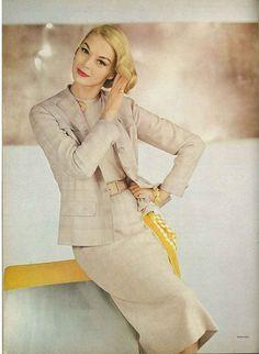 Jean Patchett. <3 Vogue 1956