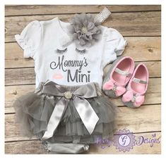 Adorable Mommy mini Outfit, Baby Girl Clothes, Mother's Day onesie, Mother's Day gift, Baby Shower gift idea. Perfect for any little girl! #babygirls #outfit #bodysuit #ad