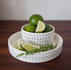 Bol à motifs géométriques Motifs, Serving Bowls, Lime, Photoshoot, Fruit, Tableware, Food, Photography, Lima