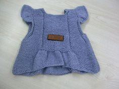 ÖRGÜ KIZ ÇOCUK ELBİSE YAPILIŞI VE MODELLERİ TÜRKÇE VİDEOLU | Nazarca.com Girls Sweaters, Baby Sweaters, Crochet For Kids, Knit Crochet, Baby Outfits, Kids Outfits, Kids Dress Clothes, Baby Vest, Baby Knitting Patterns