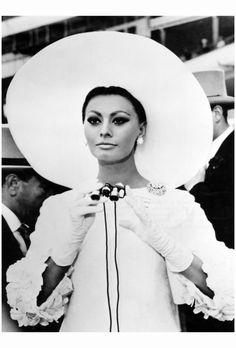 Sophia Loren in Arabesque 1966 Photophest