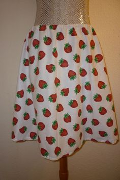 "SKIRT STRAWBERRY  GOTHIC ROCKABILLY SKATER BURNS WAIST 30"" 38"" SIZE 8 14"