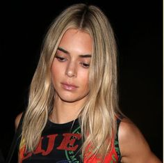 Actresses with Brown Hair In 2020 32 Celebrities with Blonde Vs Brown Hair Celebrities With Brown Hair, Actresses With Brown Hair, Blonde Celebrities, Beautiful Celebrities, Going Blonde From Brunette, Brown To Blonde, Kendall Jenner Blonde Hair, Kendall Jenner Haircut, Ponytail Hairstyles