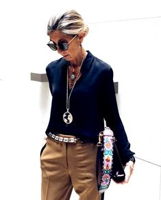 Best Outfits For Women Over 50 - Fashion Trends Fashion Over 40, 50 Fashion, Autumn Fashion, Fashion Outfits, Fashion Tips, Fashion Trends, Womens Fashion, Fashion Blouses, Style Fashion