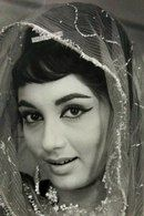 Bollywood Heroine, Indian Bollywood Actress, Indian Actresses, Movies Bollywood, Vintage Bollywood, Old Film Stars, Movie Stars, Indian Celebrities, Bollywood Celebrities