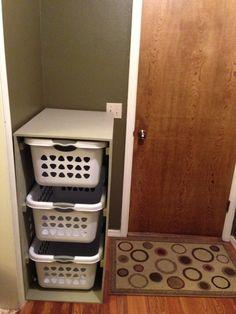 DIY Laundry Basket Holder | Wilker Do's