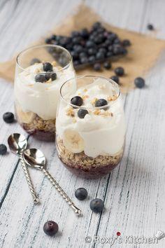 4-Ingredient Banana Blueberry Parfait - The healthiest & easiest breakfast!