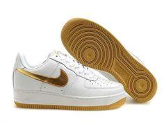 BASKETS NIKE AIR FORCE 1 LOW FEMME GYPSOPHILA BLANC GOLD SOLDES Sapatos fe843a5db51