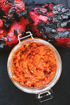 Ajvar perfect - Do it Yourself & More! Clean Eating, Healthy Eating, Healthy Food, Cooking Recipes, Healthy Recipes, Vegan Dinners, Food Inspiration, Macaroni And Cheese, Food Porn