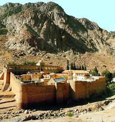 Monastery of St Catherine, Sinai: Environs. Saint Catherine's Monastery, Oasis, Toscana Italia, Jesus Painting, Visit Egypt, Valley Of The Kings, Paradise Found, Travel Memories, Luxor