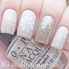 Snowflakes by alinapinuccia #nail #nails #nailart