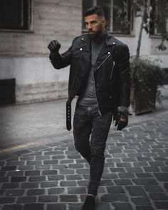 King of Autumn Masculine Black, Ambitious Style Creators – Leonadem You are in the right place about Rock Style bedroom Here we offer you the most beautiful pictures about the Rock Style hair you are Biker Jacket Outfit, Black Leather Biker Jacket, Leather Jacket Outfits, Leather Men, Leather Jackets, Biker Boots, Handsome Men Quotes, Rock Style Men, Mens Biker Style