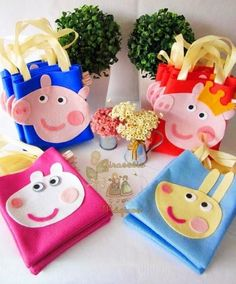 Peppa Pig Gifts, Bolo Da Peppa Pig, Cumple Peppa Pig, Peppa Pig Pinata, Birthday Candy, Pig Birthday, George Pig Party, Pig Candy, Bricolage