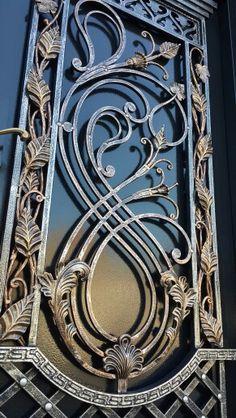 как мы покрасили Steel Gate Design, Front Gate Design, House Gate Design, Door Gate Design, Wrought Iron Decor, Wrought Iron Gates, Grill Door Design, Iron Windows, Metal Art Projects