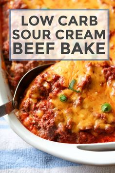 Looking for Keto dinner recipes? Here are the Best Low Carb and Keto Recipes for dinner. From Chicken to Ground Beef to Seafood & other recipes are here. Vegan Keto, Paleo, 7 Keto, Creamed Beef, Low Carb Biscuit, Low Carb Casseroles, Keto Casserole, Casserole Ideas, Dinner Casserole Recipes