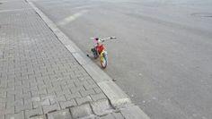 Çocuklarımız gibi yalnız bisiklet.