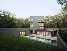 This 4,500 square foot Sagaponac House was designed by TsAO & McKOWN Architects in Wainscott, New York