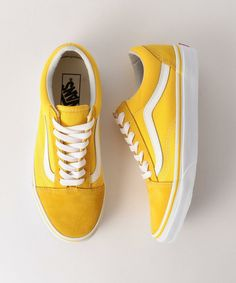 Vans Classics Old Skool Yellow Sneaker Vans Classics Old Skool Yellow Sneaker Ariane arianerhoesewebde Gelb &; hell und warm Vans Classics Old Skool Yellow Sneaker from […] aesthetic yellow shoes wedges Sock Shoes, Cute Shoes, Me Too Shoes, Women's Shoes, Vans Old Skool, Old School Vans, Yellow Sneakers, Yellow Trainers, Vans Sneakers