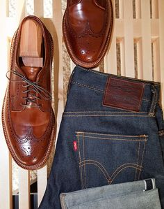 levis and shoes