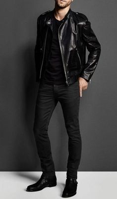 Fashion Trends: Top Interesting and Popular Facts about fashion Designers Trendy Mens Fashion, Fashion Moda, Stylish Men, Men's Fashion, Men Casual, Fashion Outfits, Fashion Design, Fashion Trends, Trending Fashion