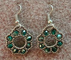 Linda's Crafty Inspirations: Free Beading Tutorial: Flora Earrings