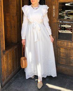 Modesty Fashion, Muslim Fashion, Fashion Dresses, Mode Abaya, Mode Hijab, Hijabi Gowns, Fancy Dress Design, Hijab Evening Dress, Hijab Style Dress