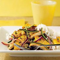 Pineapple-chicken stir fry, from Diabetic Living Source by sadnesswaffles Low Carb Chicken Recipes, Stir Fry Recipes, Turkey Recipes, Dinner Recipes, Cooking Recipes, Diabetes, Asian Recipes, Healthy Recipes, Diabetic Recipes