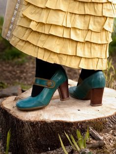 Fluevogs + tiered skirt