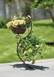Love this adorable wrought iron plant hanger! for more wrought iron designs! House Plants Decor, Plant Decor, Container Plants, Container Gardening, Garden Planters, Garden Art, Plant Design, Garden Design, Vertikal Garden